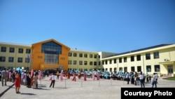 Школа-гимназия № 95 в Бишкеке. 1 сентября 2017 года.