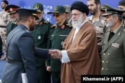 آیتالله خامنهای فرمانده کل نیروهای مسلح جمهوری اسلامی است , تمامی نیروهای مسلحی که معترضان را به گلوله بستهاند، زیر نظر مستقیم آیتالله خامنهای عمل میکنند