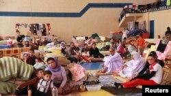 نازحون من الموصل (من الارشيف)