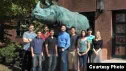 Профессор Гарварда Архат Абжанов (в центре) вместе со своими коллегами.