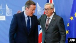 Ұлыбритания премьер-министрі Дэвид Кэмерон (сол жақта) мен Еуропа комиссиясының президенті Жан-Клод Юнкер. Брюссель, 28 маусым 2016 жыл.