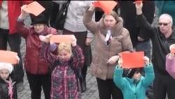Krımda Rusiya və Ukrayna tərəfdarları aksiyalar keçirir