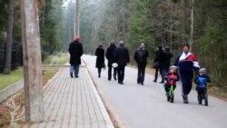 Алексей Девотченко похоронен на кладбище в Комарово
