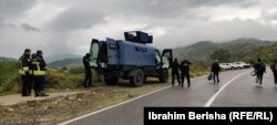 Pjesëtarë të Policisë së Kosovës në Jarinje.