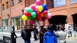 """Хабаровск. Нападение на участников флэшмоба """"Радуга над Амуром"""""""