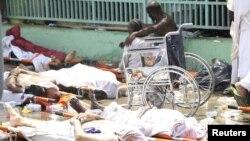 На месте хранения тел погибших в давке паломников, Мекка, 24 сентября 2015 года.