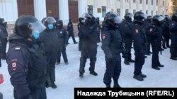 Тюмень, сотрудники полиции на акции 23 января