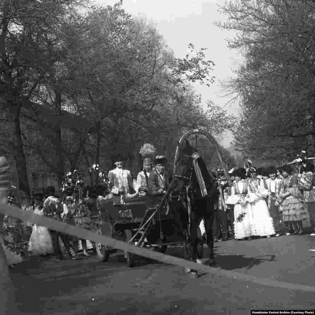 Алма-Ата, 1988 год. Автор съемки: О. Ионов. На открытии национального праздника Наурыз.