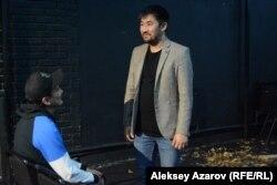 Режиссер Фархад Молдағали (оң жақта). Алматы, 26 қазан 2019 жыл.