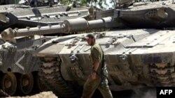 По соглашению о перемирии, стороны обязуются воздерживаться от любых враждебных действий