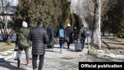 Выписанные из карантина кыргызстанцы. 15 февраля 2020 года.