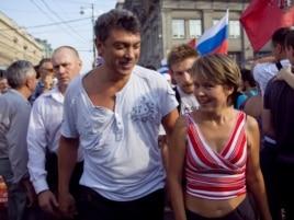 Евгения Чирикова и Борис Немцов. 31 июля 2010 года