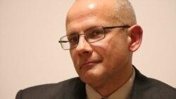 Немецкий аналитик Андреас Умланд - о том, почему Запад уступает Кремлю