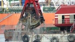 Китайці поглиблюють морське дно в порту «Южний» (відео)