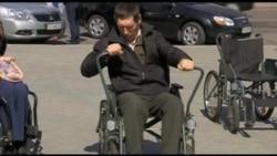 Черкаські журналісти та громадські діячі прожили годину з інвалідністю