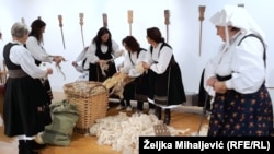Organizatori su radionicom i druženjem željeli upoznati mlađu publiku s tradicijskom obradom vune