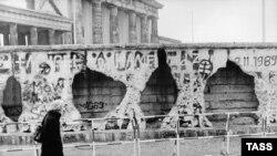 Берлинская стена, январь 1990 года