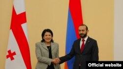 Встреча председателя Национального собрания Армении Арарата Мирзояна (справа) с президентом Грузии Самоле Зурабишвили, Ереван, 14 марта 2019 г.