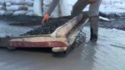 جدال با یخ و برف برای بازیافت ذغال سنگ