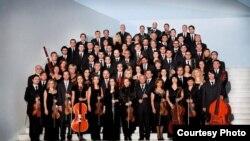 Илустрација-оркестарот на Македонската филхармонија