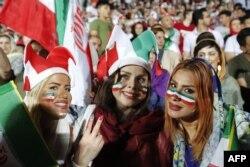 2018 жылы бір топ әйел Иран - Боливия арасындағы жолдастық матчты көруге рұқсат алған.