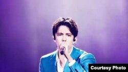 Казахстанский певец Димаш Кудайберген.