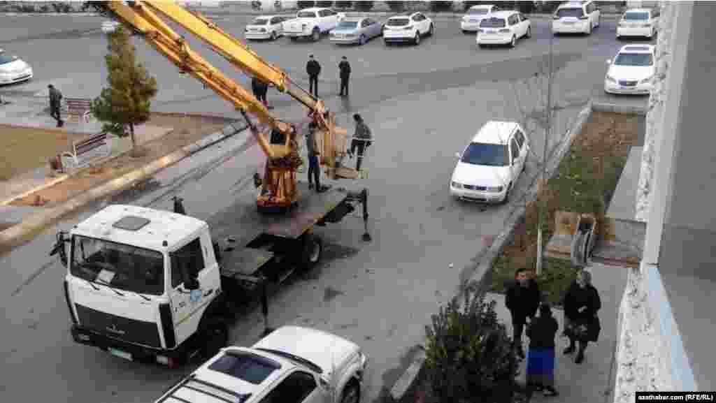 Сцецтехника для демонтажа кондиционеров, улица Огузхана, Ашхабад