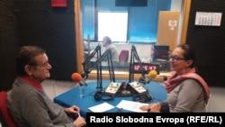 Žarko Papić u studiju RSE u Sarajevu sa novinarkom Mirnom Sadiković, ilustrativna fotografija