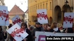 Aktivistice na putu do Vlade, Zagreb 8. ožujak 2012.
