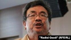 Эммануэл Лаллана, мушовири СММ оид ба рушди Технологияи иттилоттии коммуникатсионӣ дар Филиппин