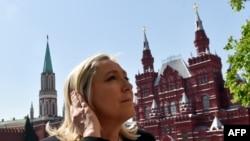 Лидер «Национального фронта» Марин Ле Пен во время визита в Москву. Май 2015 года