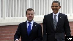 Претседателите на Русија и на САД, Дмитри Медведев и Барак Обама