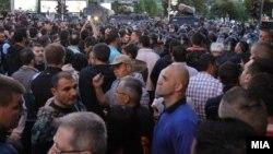 Makedoniýanyň prezidenti Gýorge Iwanowyň amnistiýa geçirmegine garşy protest, 21-nji aprel, 2016.