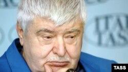 Бывший мэр Москвы устроил публичную порку российскому правительству