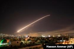 Дамаск аспанындағы зымырандар. Сирия, 14 сәуір 2018 жыл