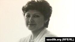 Известная журналистка и политический опозреватель Лола Хатамова.