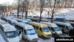 Під час акції протесту Профспілки перевізників України спільно з Профспілкою таксистів України під будівлями Кабміну, 20 лютого 2008 року.