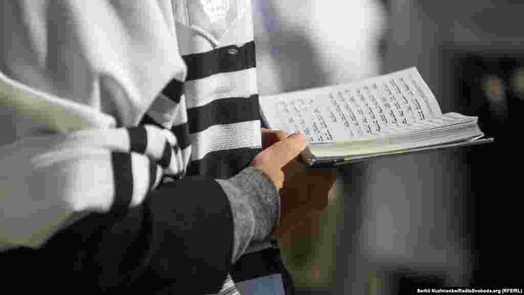 Mai târziu, sovieticii au permis anual evreilor hasidici din Statele Unite și Israel să vină să se roage la Uman.