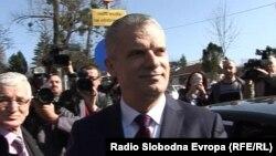 Fahrudin Radončić nakon izlaska iz pritvorske jedinice, Sarajevo, 17. februar 2016.