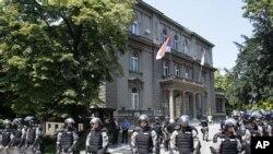 Pripadnici žandarmerije ispred zgrade Predsedništva - ilustrativna fotografija iz arhive