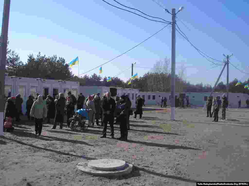 Ukraine -- Transit camp in Pavlograd for displaced persons from of Donbass, Dnipropetrovsk, 16Feb2015