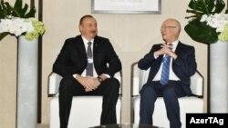 İlham Əliyev və Dünya İqtisadi Formun icraçı sədri Klaus Schwab, Davos,18 yanvar 2017
