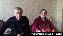 Должники-пенсионеры Николай и Людмила Свинолобовы