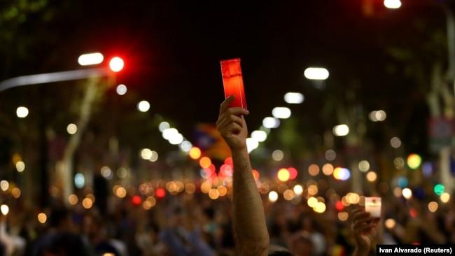 Demonstracije u Barseloni zbog hapšenja dvojice katalonskih lidera