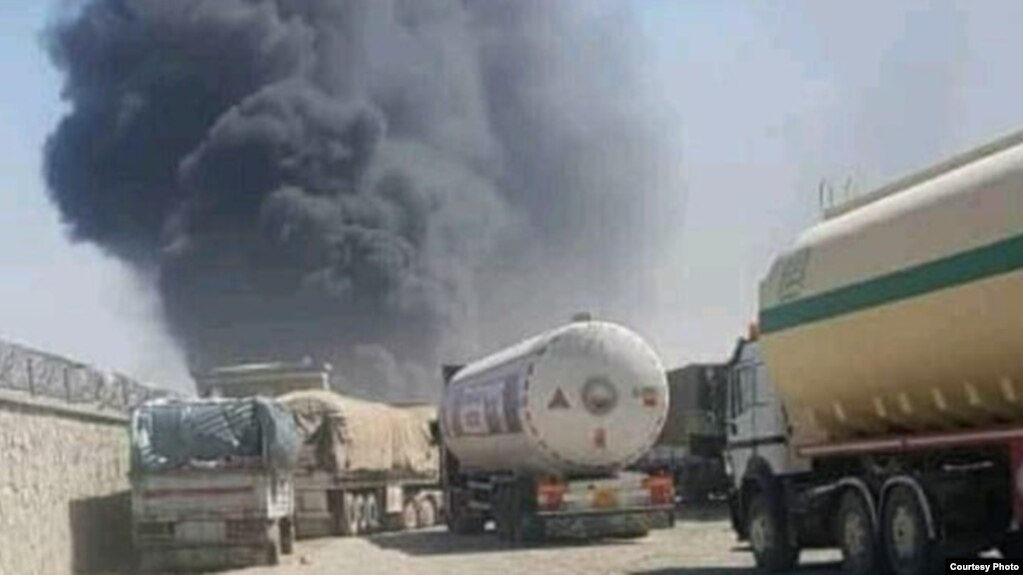 عکس منتشرشده از آتشسوزی در گمرک «ابو نصر فراهی» افغانستان در شبکههای اجتماعی