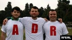 «ADR bizi birləşdirir!» aksiyasının müəllifi də Adnan Hacızadə idi (Fotoda ortada)