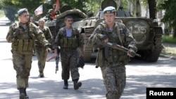 Сепаратисты в Зайцево в окрестностях Донецка