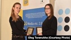 Журналістки Радіо Свобода Ольга Комарова (л) і Марічка Набока