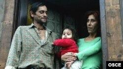 Arhivski snimak - romska porodica u Valjevu.