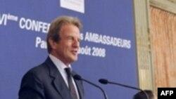 Министр иностранных дел Франции Бернар Кушнер. Август 2008